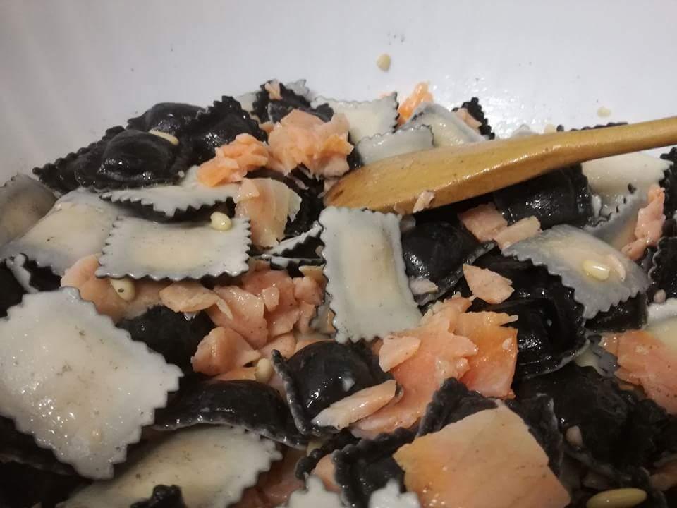 Ravioli di pesce con salmone affumicato