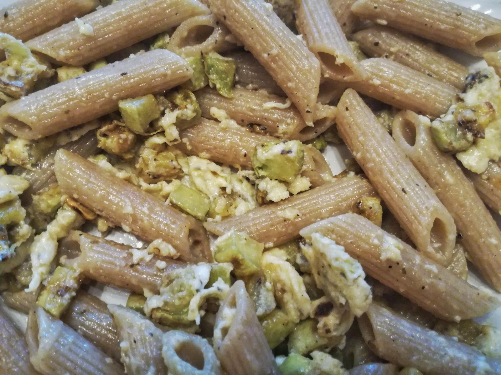 Pasta alla carbonara con zucchine